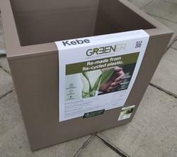 KEBE 39.9/39.9/39.9 sm на колела от 100 % рециклирана пластмаса квадратна кашпа за цветя с воден резервоар